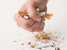 Benefícios em parar de fumar são maiores que os riscos associados ao ganho de peso